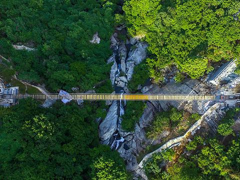 木兰天池跨山玻璃天桥旅游景点图片