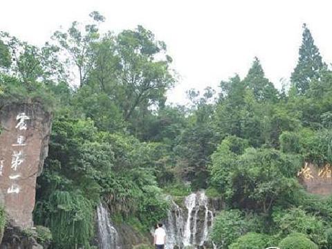 秀甲瀑布旅游景点图片