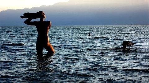 洱海的女儿雕塑