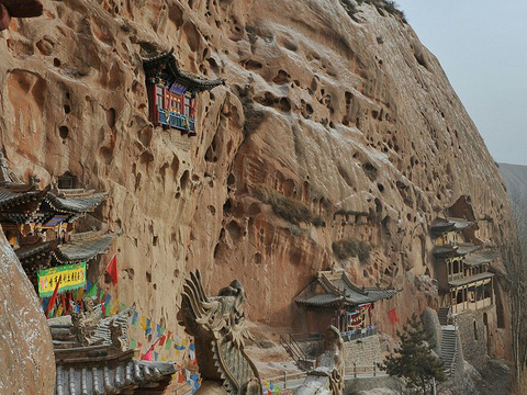 拉稍寺石窟旅游景点图片