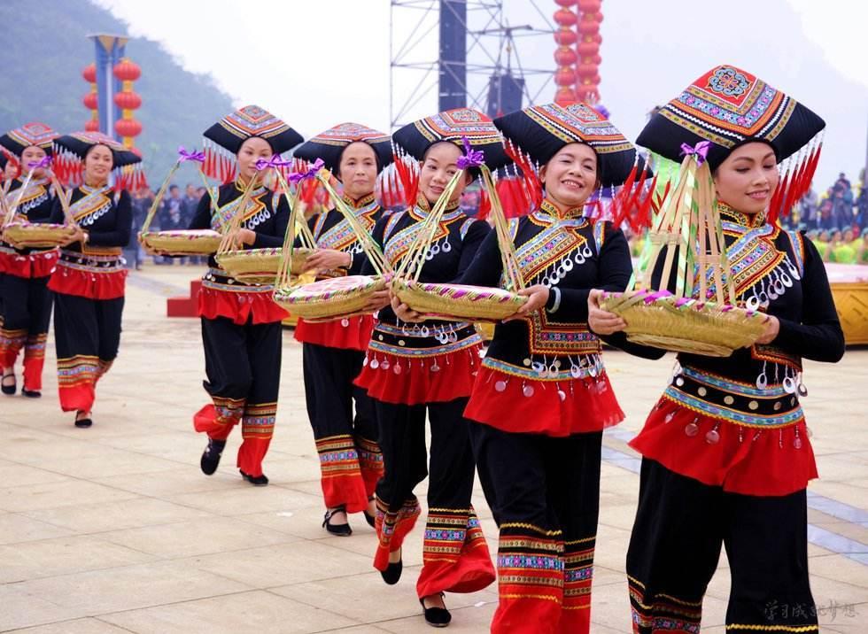仫佬族依饭节