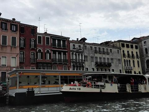 美酒河滨旅游景点图片