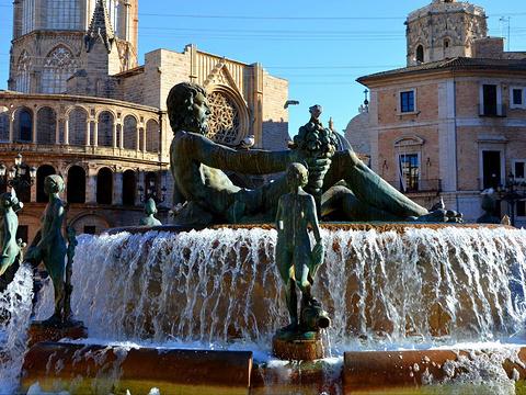 瓦伦西亚圣女广场旅游景点图片