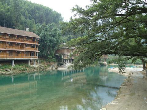 雨卜民族风情旅游度假村旅游景点图片
