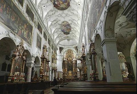 圣彼得教堂的图片