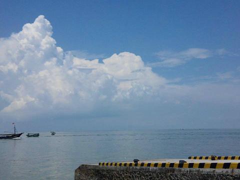 海石滩泳场(那晏海石滩)
