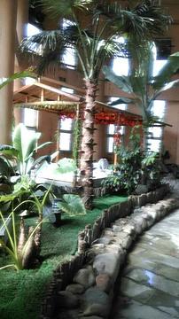 玫瑰庄园温泉假日酒店