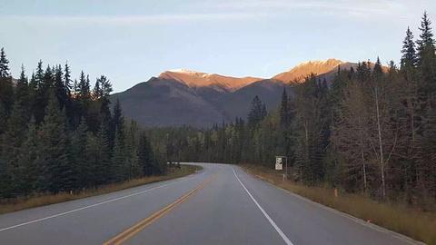 落基山脉地区旅游图片