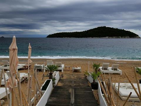 Banje海滩旅游景点图片