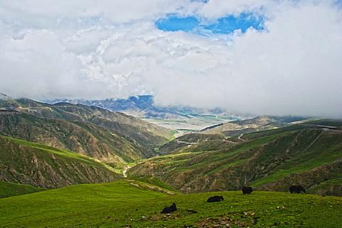 岗巴拉山口的图片