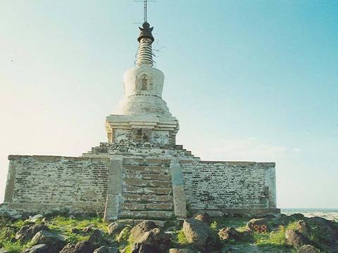 双合尔山白塔旅游景点图片