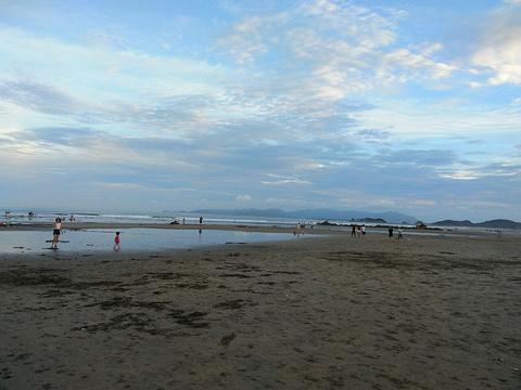 月亮湾沙滩浴场旅游景点图片