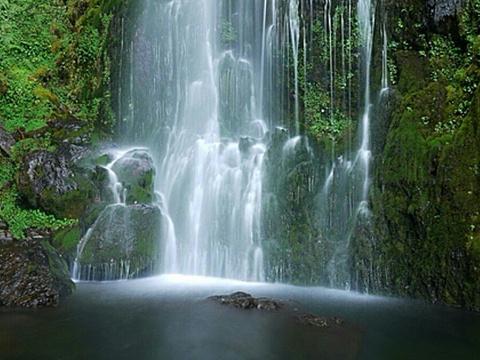 桃山瀑布旅游景点图片