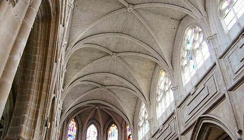 布洛瓦圣路易主教座堂的图片