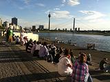莱茵河畔散步道