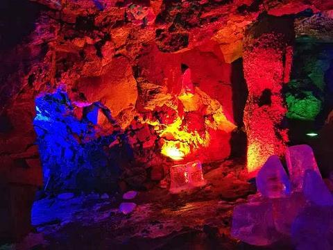 熔岩隧道旅游景点图片