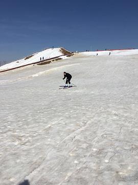 三盛公滑雪场