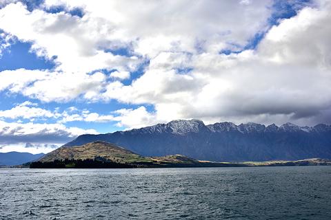 瓦卡蒂普湖观光巡游