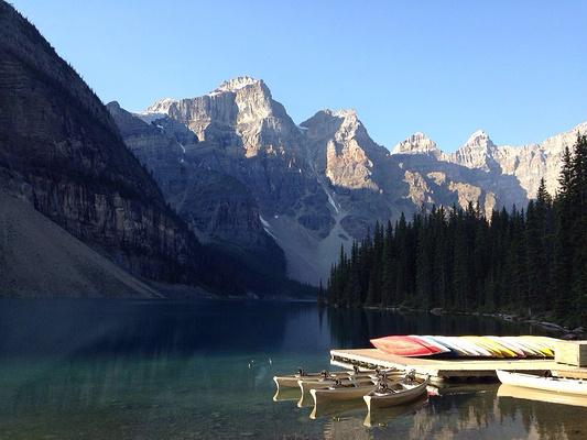 路易丝湖旅游景点图片