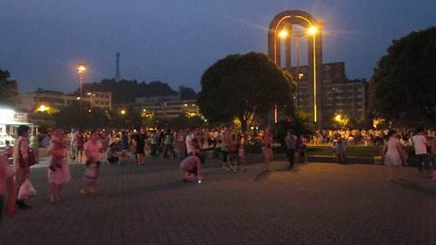 侯家台子广场的图片