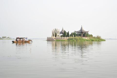 陈妃水冢的图片
