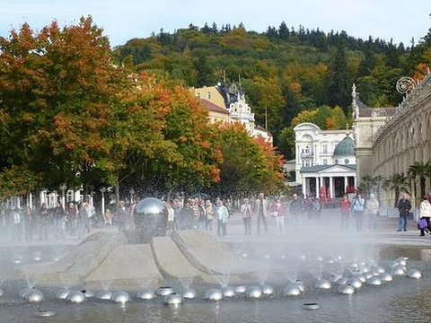 吟唱喷泉旅游景点图片