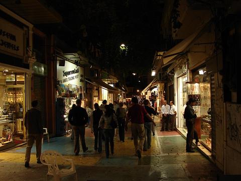 普拉卡老城区的图片