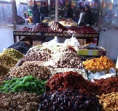 天山街农贸市场