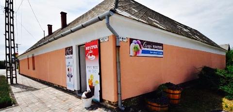 Csopi Ice Cream Parlour