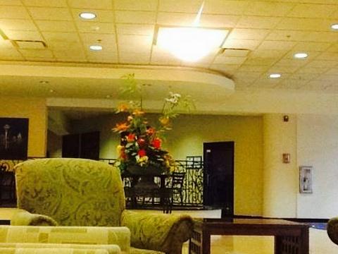 Seasons Restaurant旅游景点图片