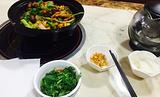 重庆鸡公煲纸上烤鱼