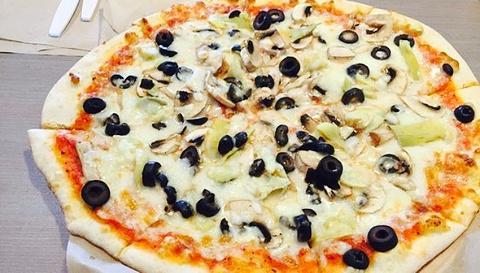 Sophie's Gourmet Hawaiian Pizzeria的图片
