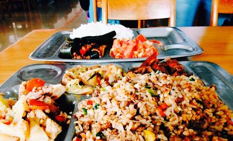 武汉大学食堂的图片