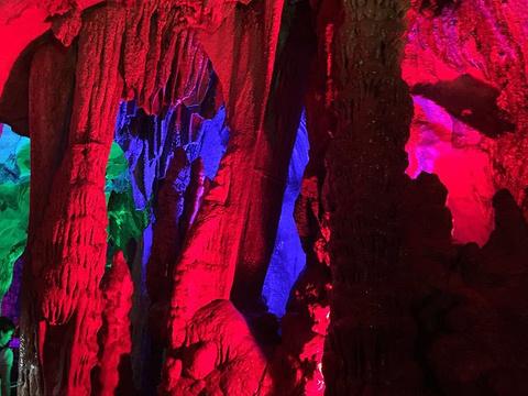 龙宫岩旅游景点图片