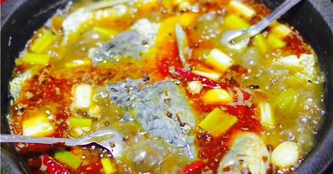 熊婆石锅鱼的图片