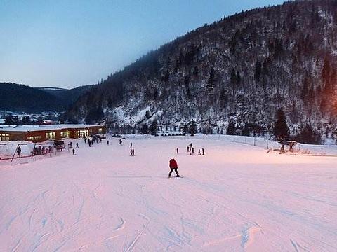 双峰雪上游乐场旅游景点图片