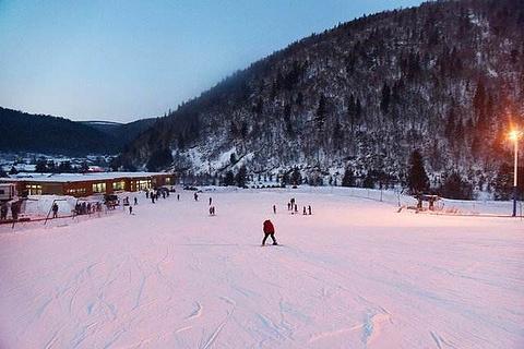 双峰雪上游乐场的图片