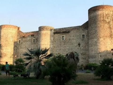 乌尔斯诺城堡和城市博物馆旅游景点图片