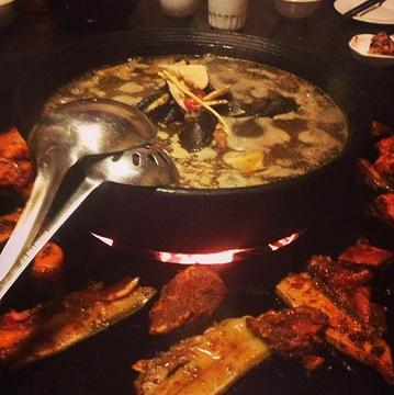 火塘人家生态餐厅