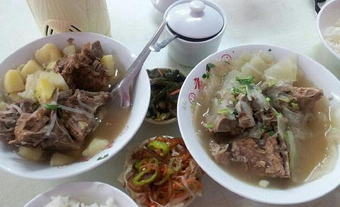 京九排骨米饭的图片