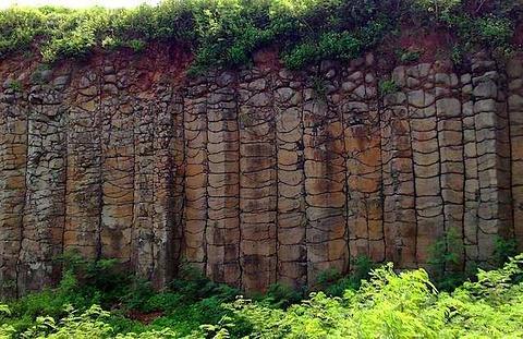玄武岩柱石