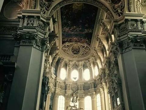 Neue Bischofliche Residenz (New Episcopal Residence)旅游景点图片