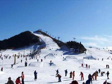 秦皇古道滑雪场旅游景点图片