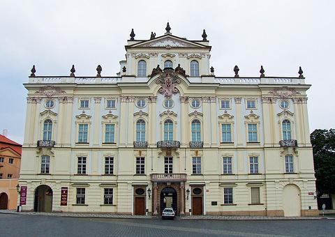 施特恩伯格宫
