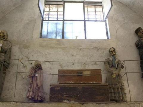 卡普奇尼地下墓穴旅游景点图片