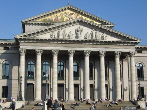 巴伐利亚国立歌剧院旅游景点图片