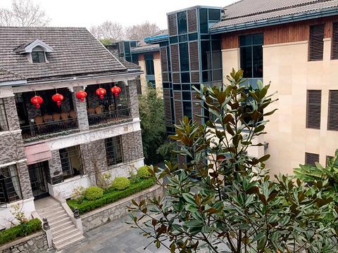 湖滨客舍旅游景点图片
