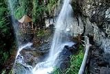 青云山瀑布