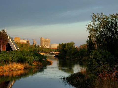 月牙岛生态公园中心广场旅游景点图片