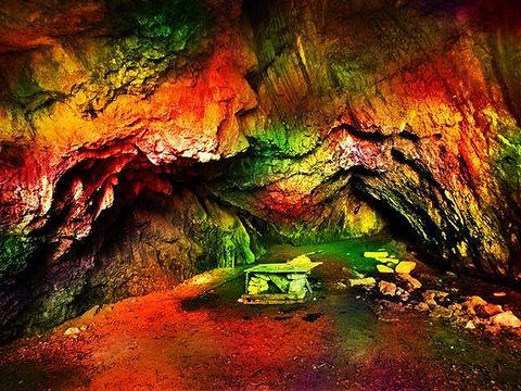 海龙洞旅游景点图片